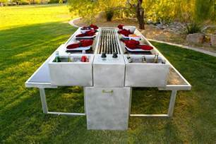 Backyard Grill Park An Outdoor Grill You Can Cook And Eat At Picnic Tables