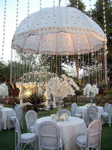 5 Awesome Wedding by 5 Amazing Wedding Decor Ideas With Umbrellas