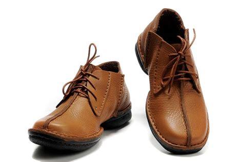 clarks shoes usa clarks black shoes toddler clarks desert trek leather