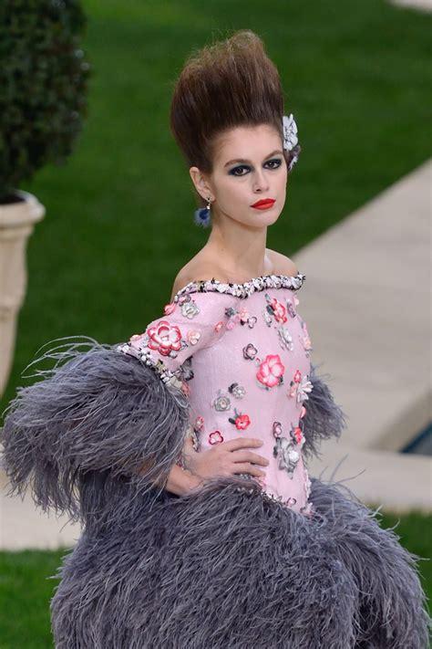 kaia gerber chanel 2019 kaia gerber at chanel haute couture spring summer 2019