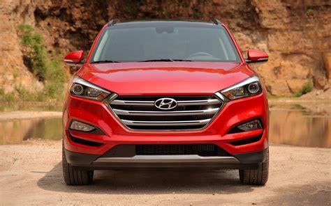 Tucson Search Comparison Hyundai Tucson Eco 2017 Vs Mitsubishi Outlander Phev 5hs Hybrid 2017
