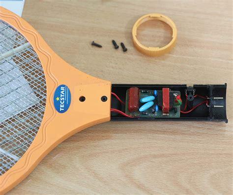 Raket Nyamuk membongkar raket nyamuk elektrologi