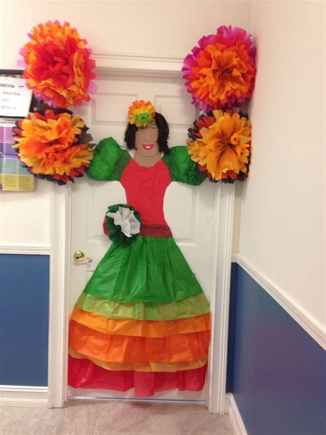 spanish decorations for christmas tissue paper mexican door decoration classroom ideas tissue paper mexicans and