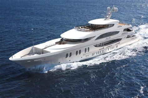 boat brokers usa trinity yachts luxury yacht lady linda running yacht