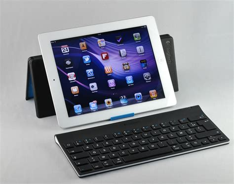 Logitech Tablet Keyboard logitech tablet keyboard for un clavier doubl 233 d un support orientable