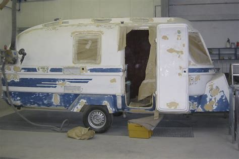 Wohnwagen Silber Lackieren suleica caravan ein alter wohnwagen wird neu lackiert