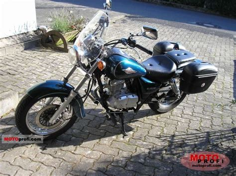 Suzuki Gz Marauder 125 Suzuki Gz Marauder 125 2000 Specs And Photos