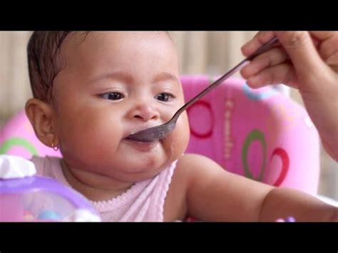 Celemek Makan Anak Baby Toddler Kecil Eat Food Masak Bib Animal anak balita jepang lucu sedang makan 2013 doovi