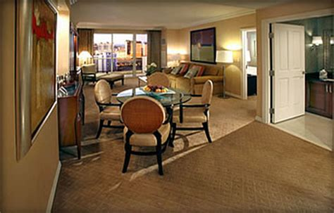 signature one bedroom balcony suite the signature at mgm grand hotel las vegas hotels las