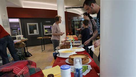 volksbank kuchen maikirmes und verkaufsoffener sonntag bestens besucht