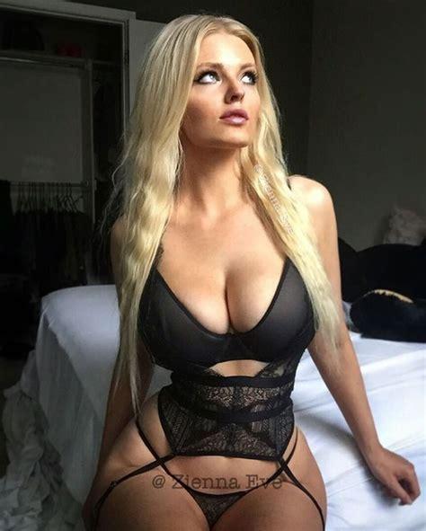 Zienna Eve Sonne Auf Instagram Morning Curvy Unedited My Beautiful Garter Belt Top Is