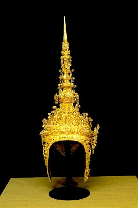thai dance ramthai headdress head costume theater dancing