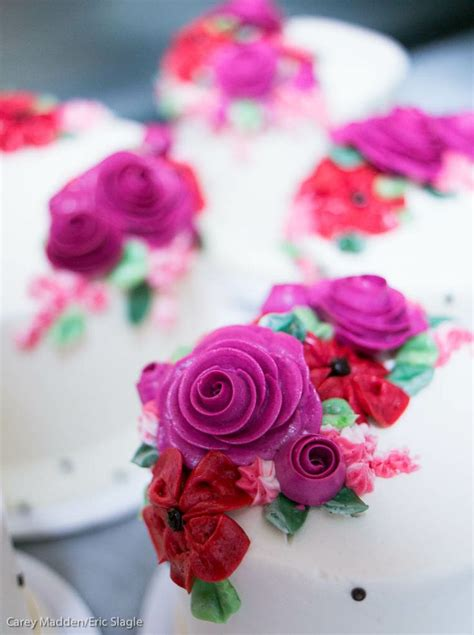 Butter Magenta buttercream floral cakes a collection of ideas to try