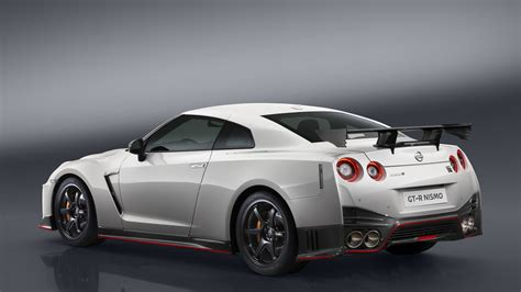 gtr nissan nismo gt r nismo out in november new nissan tiida also getting