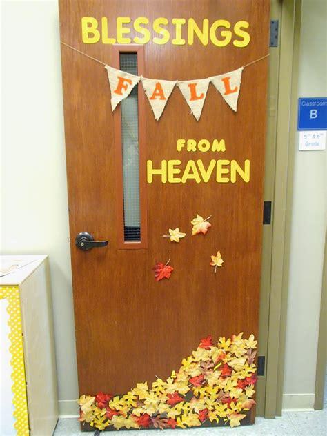 school door decorating easy breezy sunday school fall door decoration