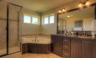 Master Bedroom And Bathroom Ideas 10 modern and luxury master bathroom ideas freshnist