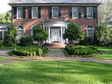 21 best formal yard ideas images on pinterest courtyard ideas formal gardens and garden ideas