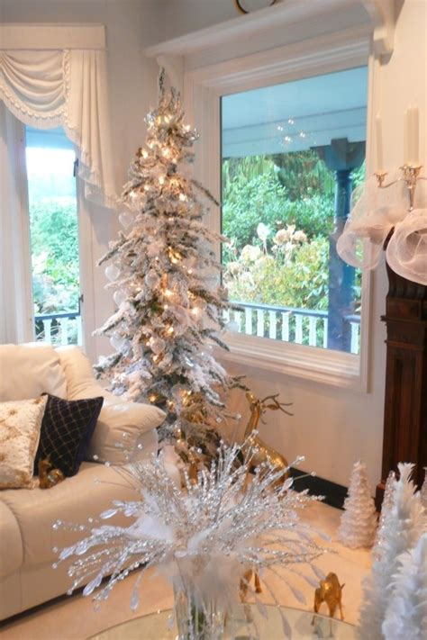 christmas tree filler ideas 1000 ideas about small white tree on white trees advent