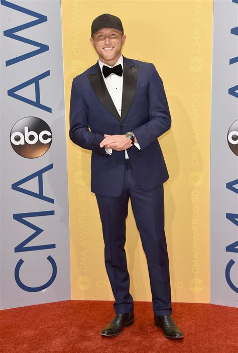 cole swindell gs kacey musgrave owned the cmas red carpet everyone else