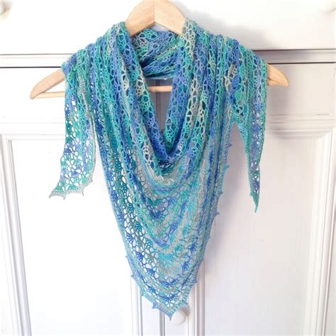 batik shawl pattern two shawls in a week missneriss