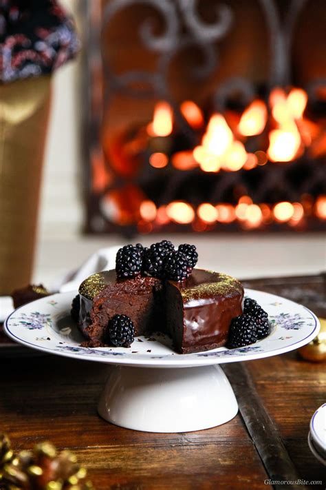 lindt 85 carbohydrates fergalicious chocolate cake with blackberry coulis
