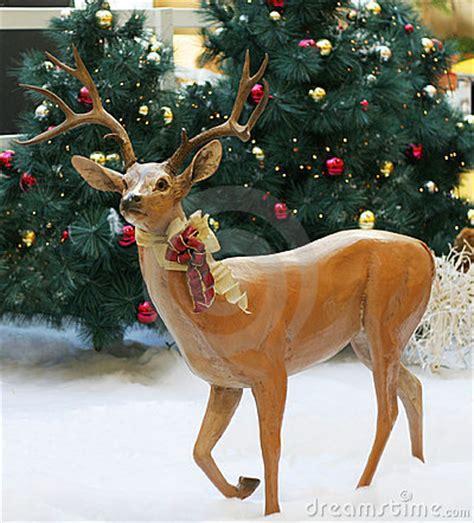 reindeer statue reindeer statue stock image image 6275121