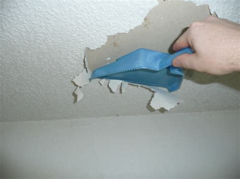 removing popcorn ceiling with water and vinegar how to get rid of a popcorn ceiling
