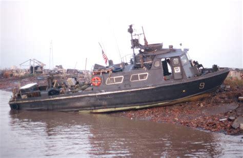 swift boat images z 233 ro la barre