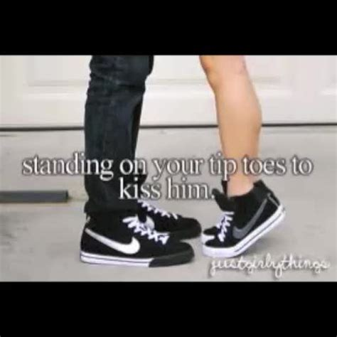 tip toe mp watch meghan mccarthy s vine quot standing on your tip toes to