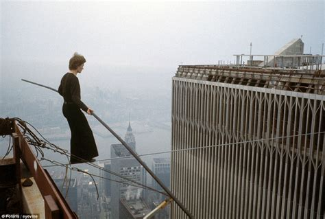 twin towers walk movie the walk movie about philippe petit is so scary it is