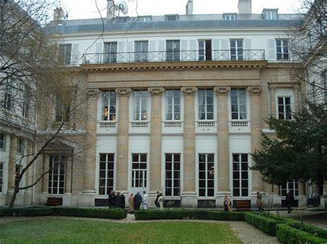 lavorare in un consolato lavorare per l istituto italiano di cultura a parigi