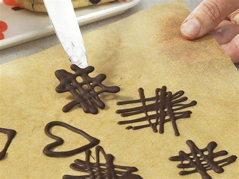schoko dekor selber machen schokoladen ornamente herstellen lecker