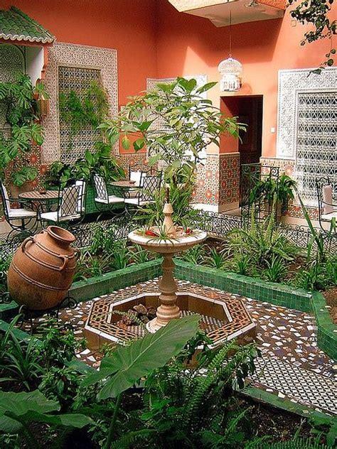 Moroccan Garden Ideas 15 Must See Moroccan Garden Pins Garden Lighting Ideas Garden Lanterns And Moroccan Design