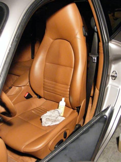 comment nettoyer siege cuir voiture comment nettoyer siege en cuir de voiture voitures