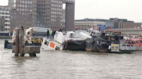 thames river boat disaster river thames party boat begins sinking near london bridge