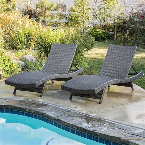 Outdoor Wicker Chaise Lounge Chairs by The Best Outdoor Lounge Chair What To Look For 2018