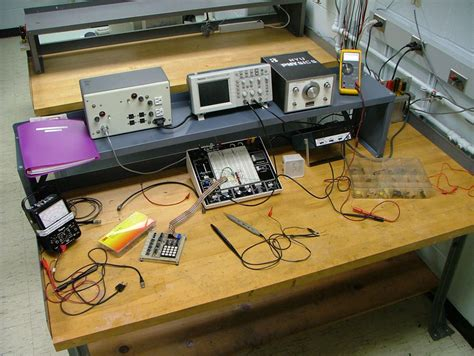 bench electronics pin analog electronics lab on pinterest