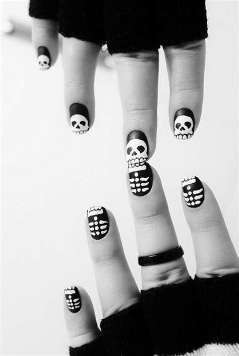 30 Cool Halloween Nail Art Ideas - Hative