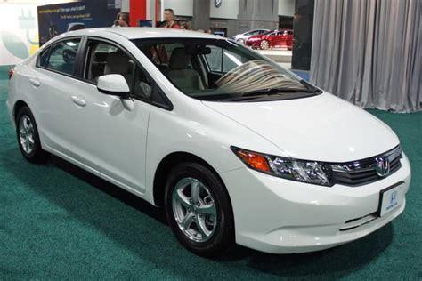 Bosch Lu Mobil Honda New Civic Low Beam Hb4 12v 80w P22d honda civic vs toyota corolla difference and comparison