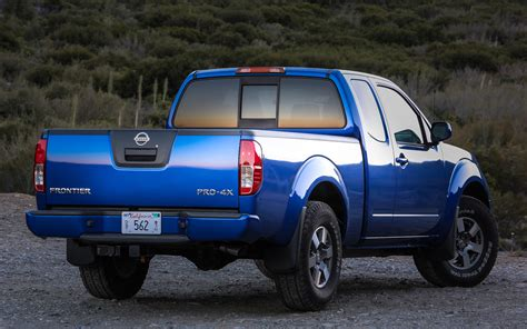 2012 nissan frontier 4x4 pro4x rear view photo 2