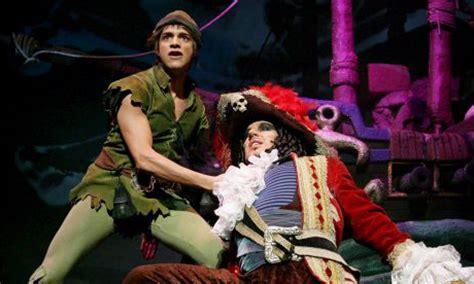 boatswain in peter pan debate que comedia musical te ha impactado o que momentos