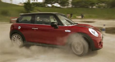 Mini 3 Malaysia 2015 mini cooper s does best gymkhana impersonation in