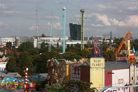 theme park vienna file amusement park prater vienna jpg