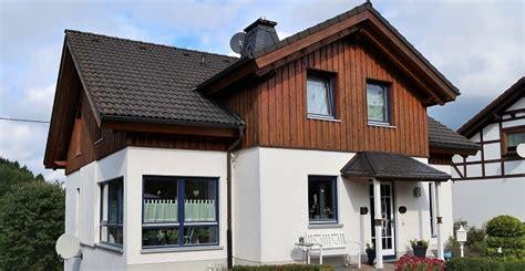 Motorradversicherung W Stenrot by Kirchhundem H 252 Bsches Einfamilienhaus Mit Separater