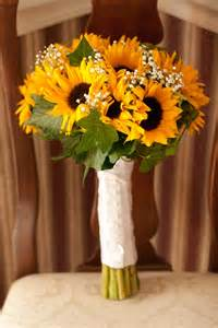sunflower wedding best 25 sunflower bridal bouquets ideas on sunflower wedding flower arrangements