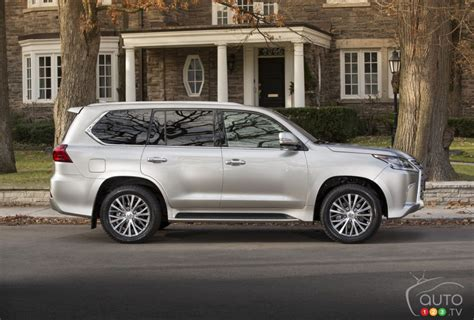 lexus 570 car 2016 2016 lexus lx 570 drive car reviews auto123