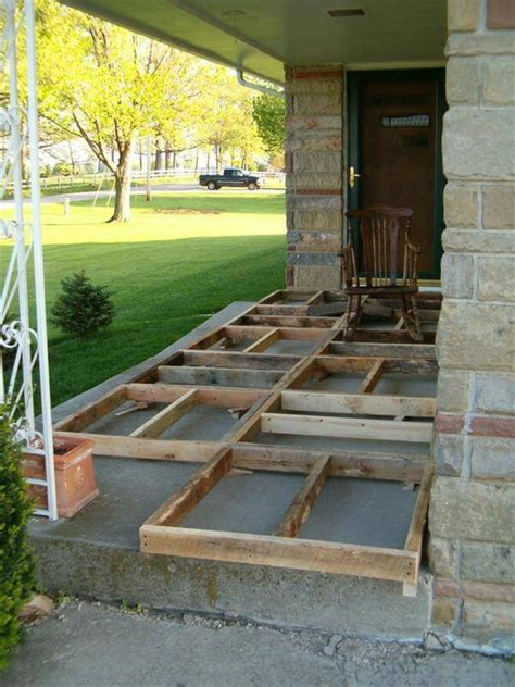 Best Wood For Porch Floor by Diy Pallet Front Porch Remodeling Tutorial 99 Pallets