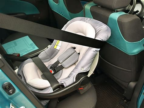 do graco car seats expire how many years do car seats expire in canada