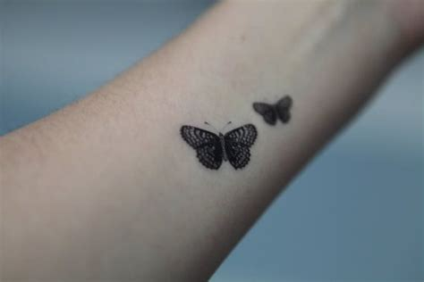 20 wrist butterfly tattoo ideas that can never go wrong