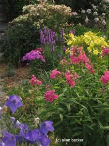 Perennial Flower Garden Journal Garden Design Montreal Perennial Flower Gardens Gardening Tips Gardening Advice